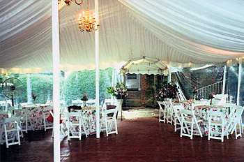 Seating planner i tent rentals seating arrangements for Wedding tent layout tool
